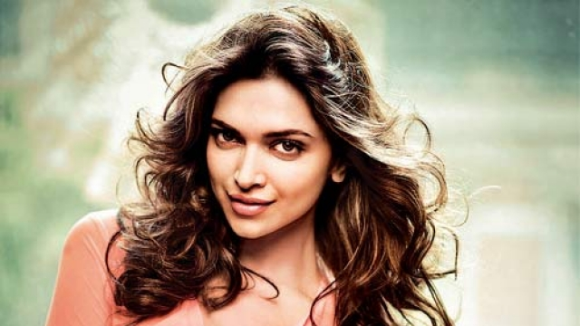 1.Top 10 Best Bollywood Actresses in 2020